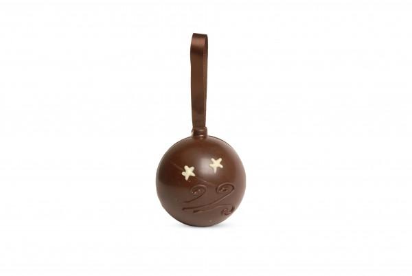 Weihnachtskugel aus Schokolade