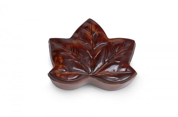 Bonboniere Blatt mit Pralinen gefüllt