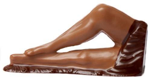 Frauenbeine aus Schokolade